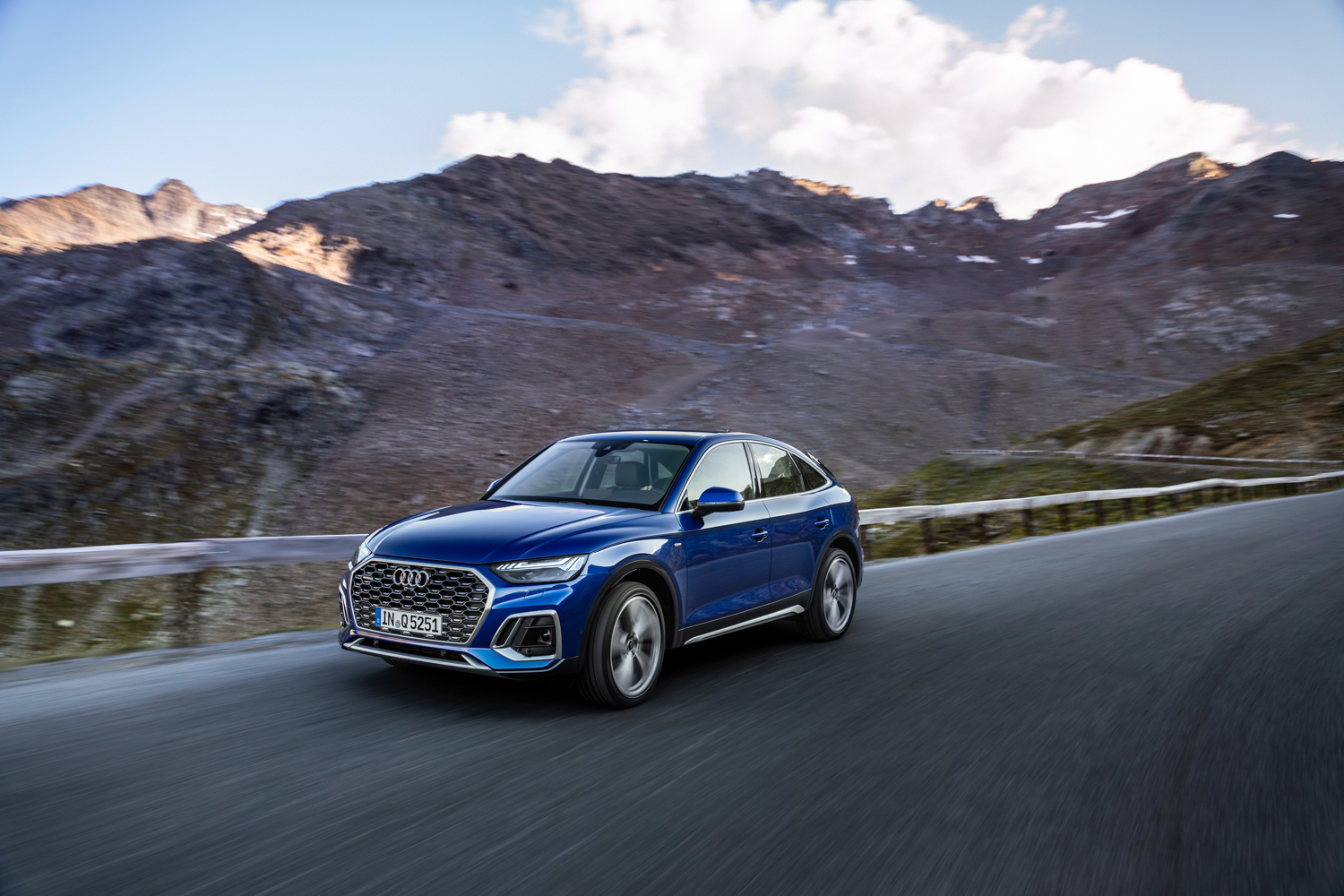 Car News | Audi shows off new Q5 Sportback | CompleteCar.ie