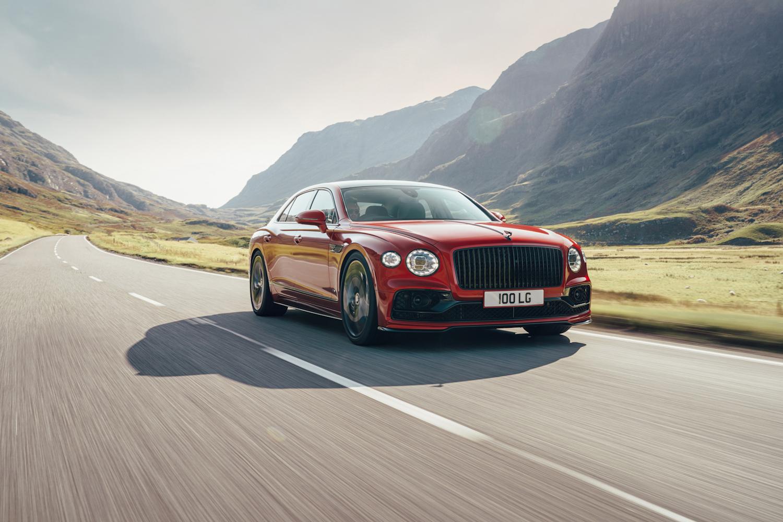 Car News | Bentley adds V8 to Flying Spur line | CompleteCar.ie