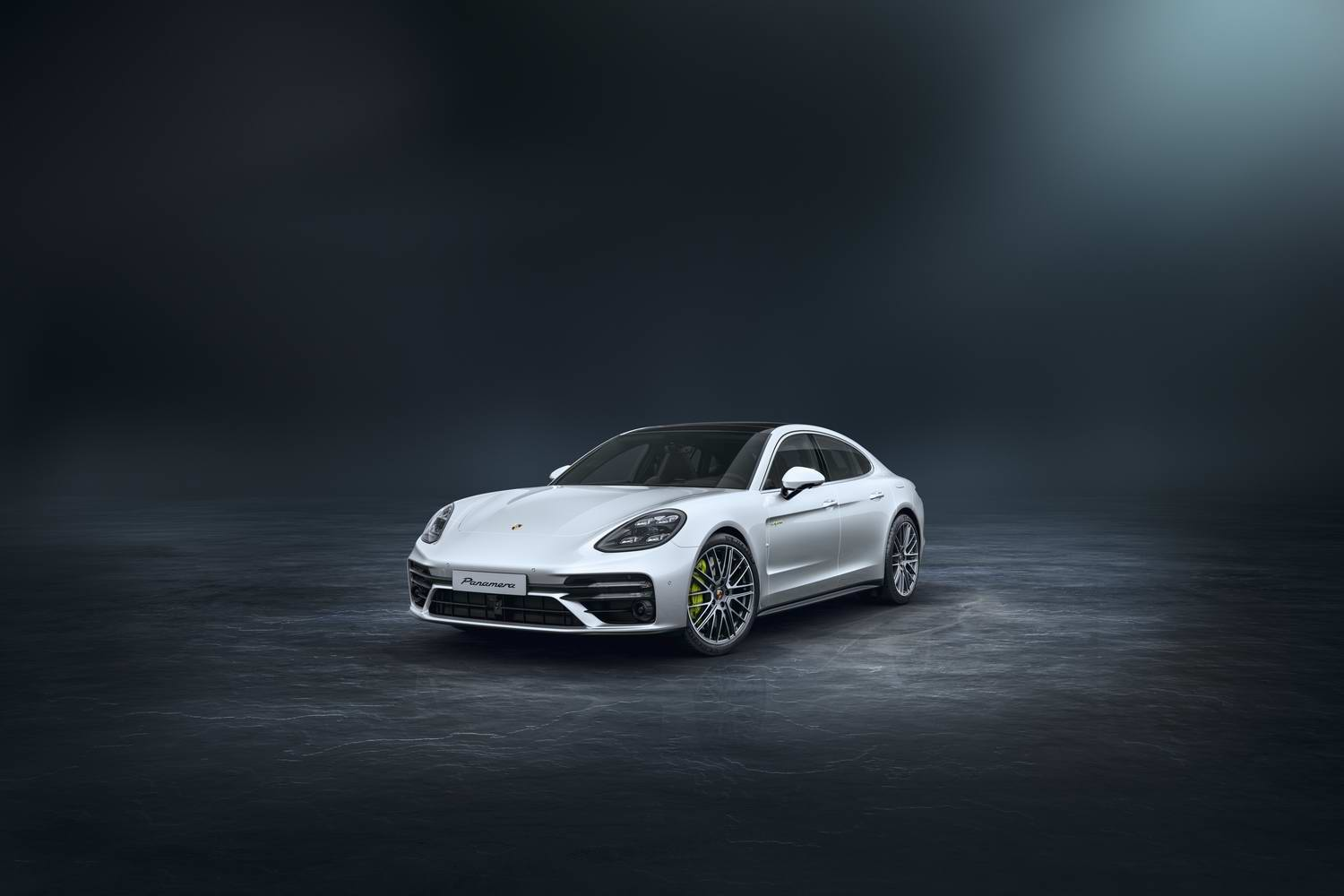 Car News | Porsche reveals 700hp hybrid Panamera | CompleteCar.ie