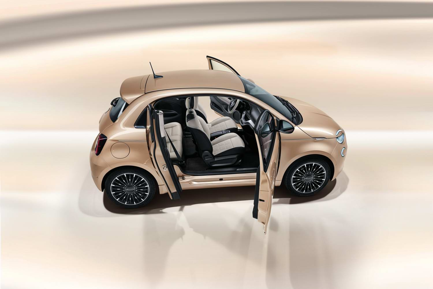 Car News | Fiat shows off four-door 500 '3+1' | CompleteCar.ie
