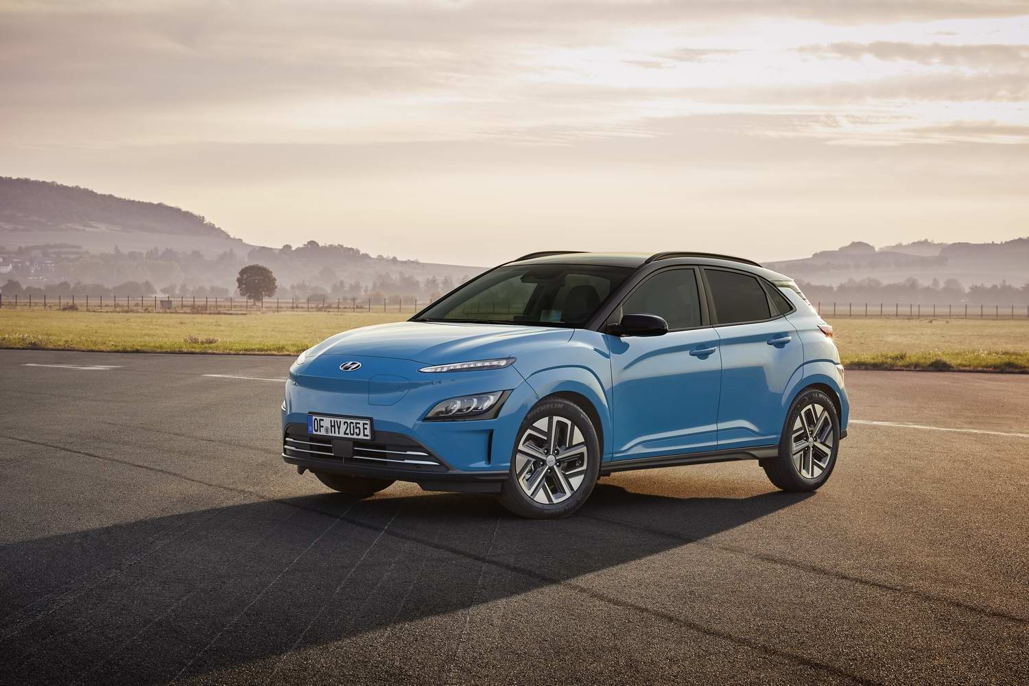 Car News | New look for 2021 Hyundai Kona Electric | CompleteCar.ie