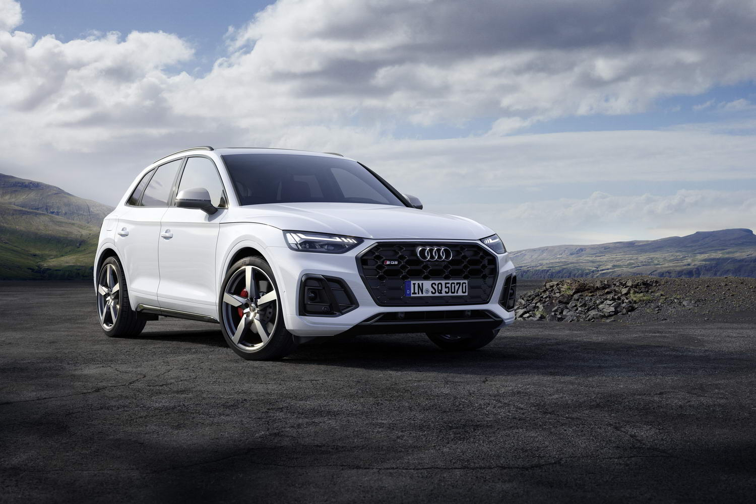 Car News | Audi revises powerful SQ5 SUV | CompleteCar.ie
