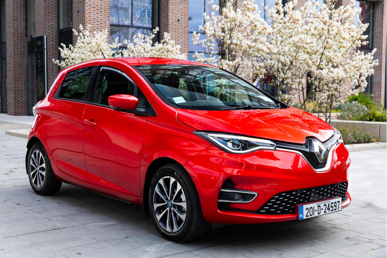 Car News | Renault Ireland 'Unplugged' sales event starts this week | CompleteCar.ie