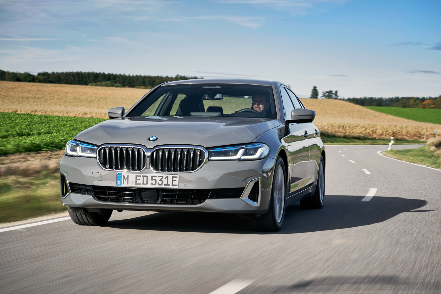 Car News | BMW launches new 320e and 520e plug-in hybrids | CompleteCar.ie