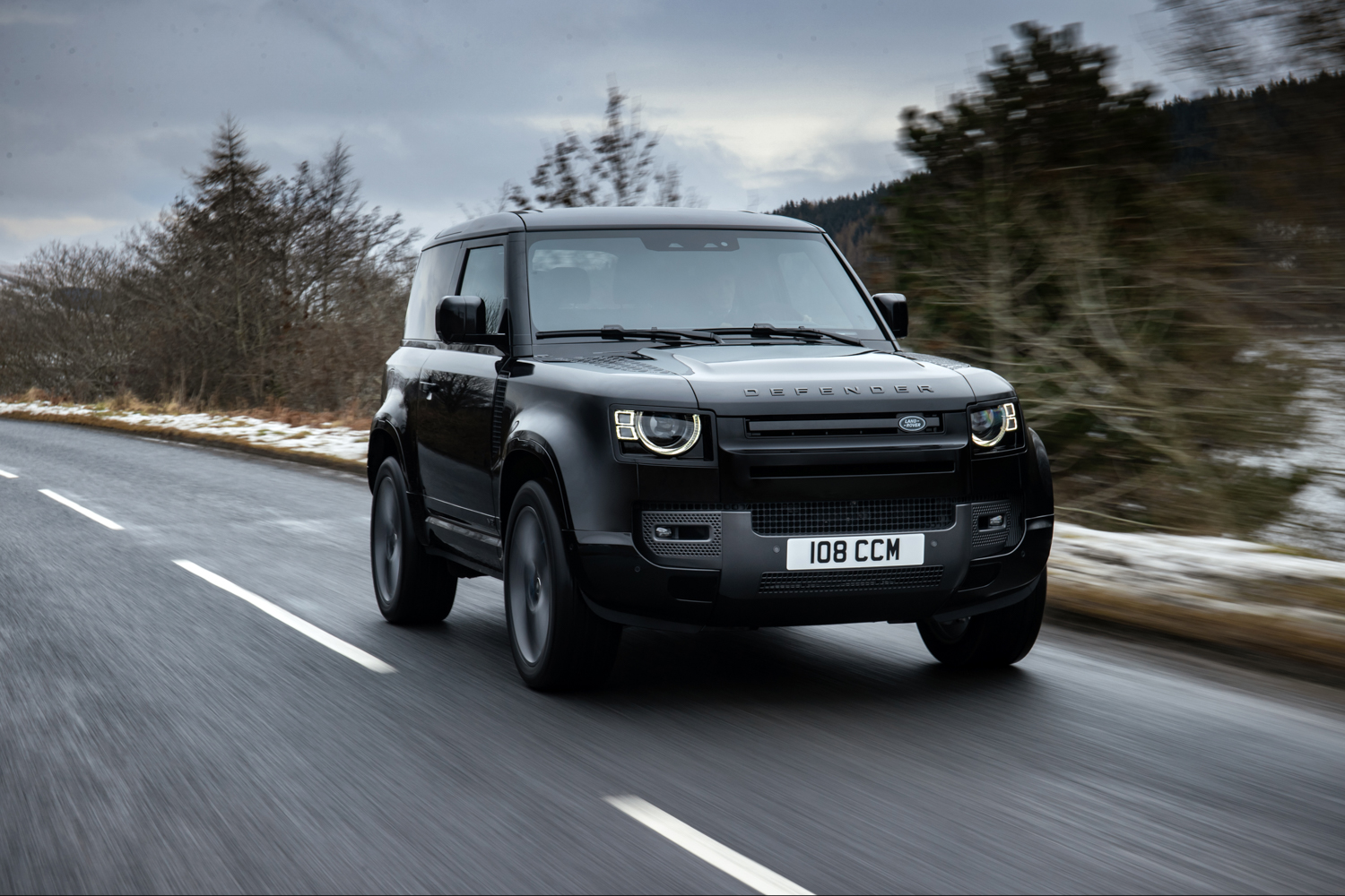 Car News | Land Rover shows off V8-engined Defender | CompleteCar.ie