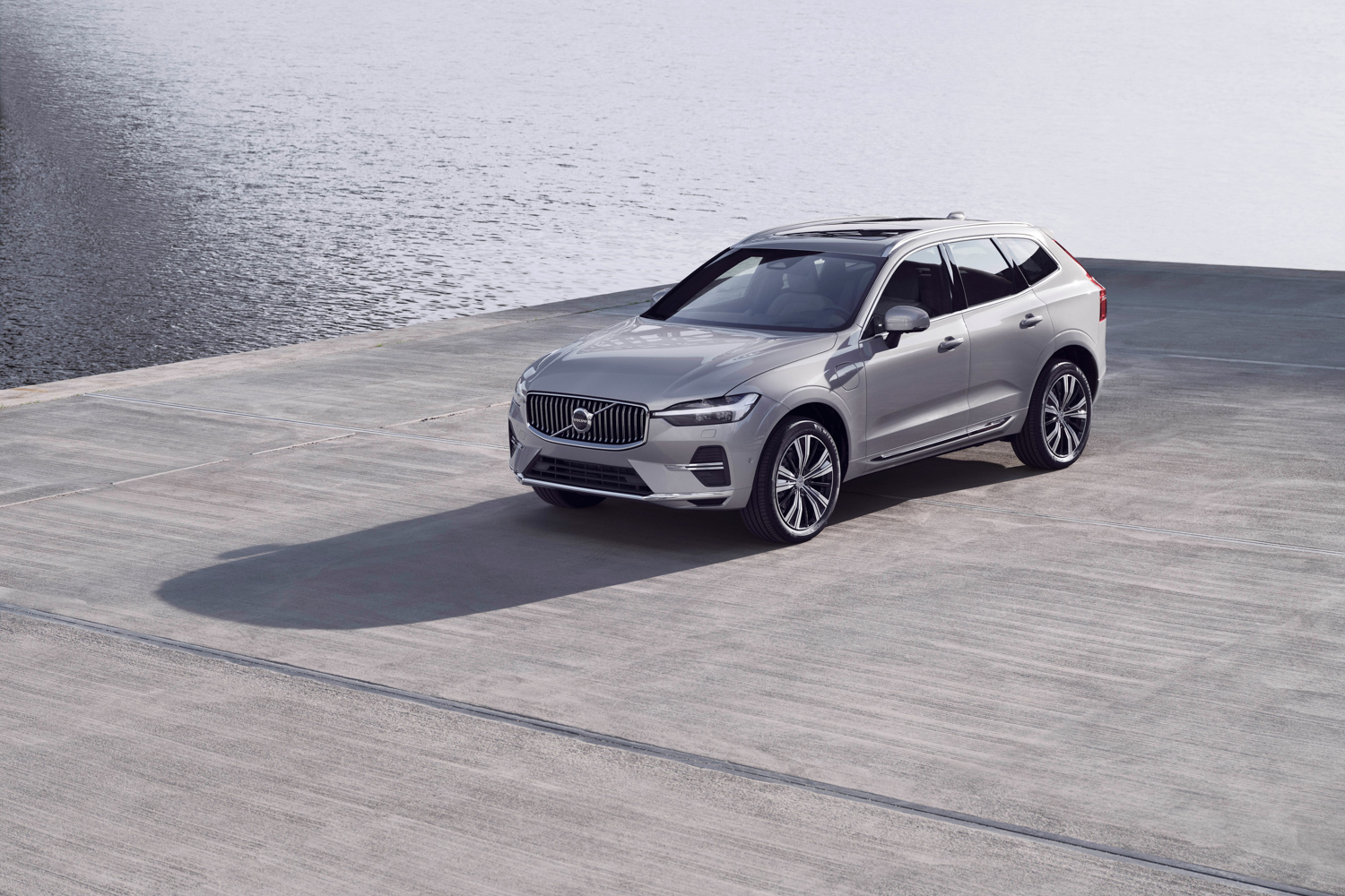 Car News   Volvo updates the XC60   CompleteCar.ie
