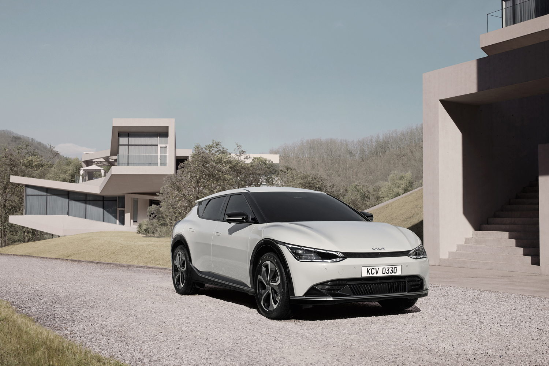 Car News   Kia EV6 all-electric car revealed   CompleteCar.ie