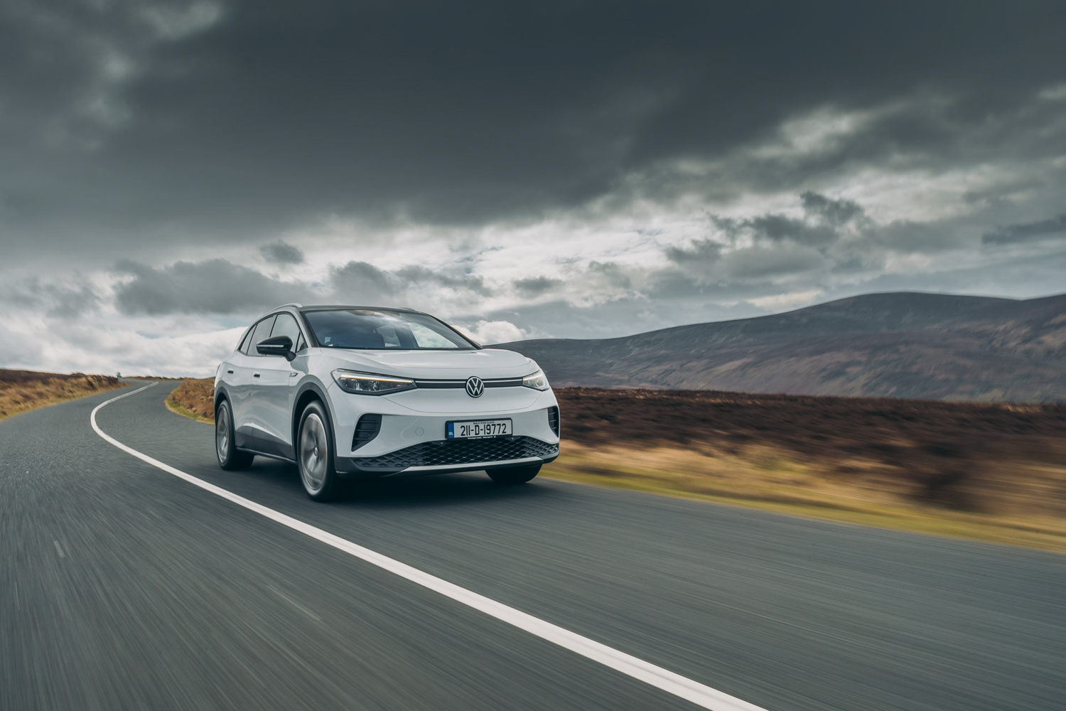 Car News | Volkswagen launches more affordable ID.4 models for Ireland | CompleteCar.ie