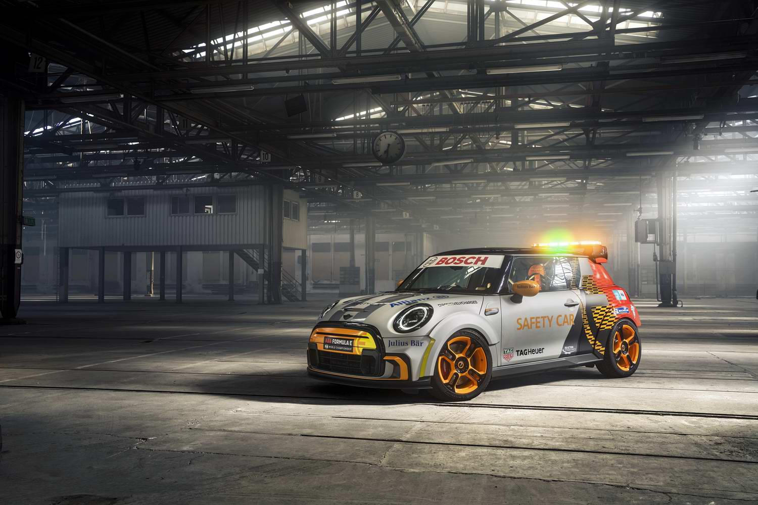 Car News | Electric MINI Pacesetter goes racing | CompleteCar.ie