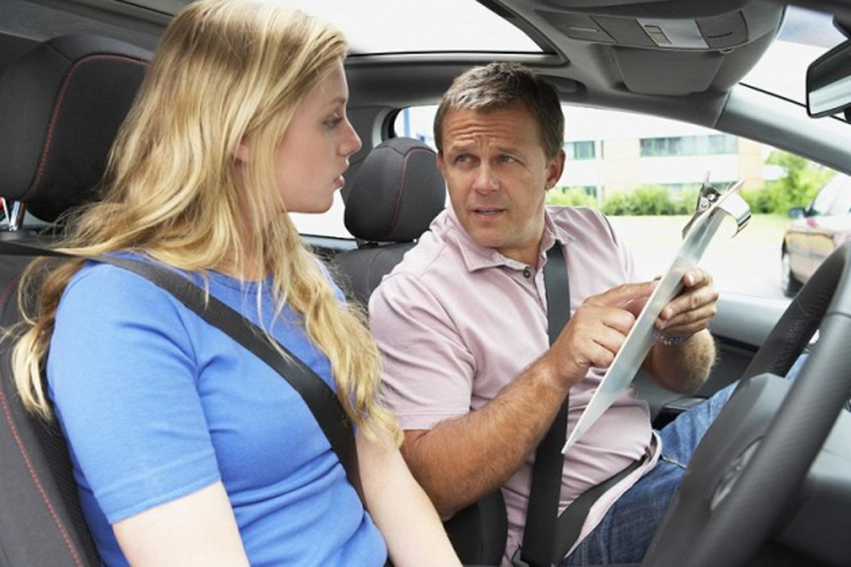 Car News | Fewer women than men passing driving test | CompleteCar.ie