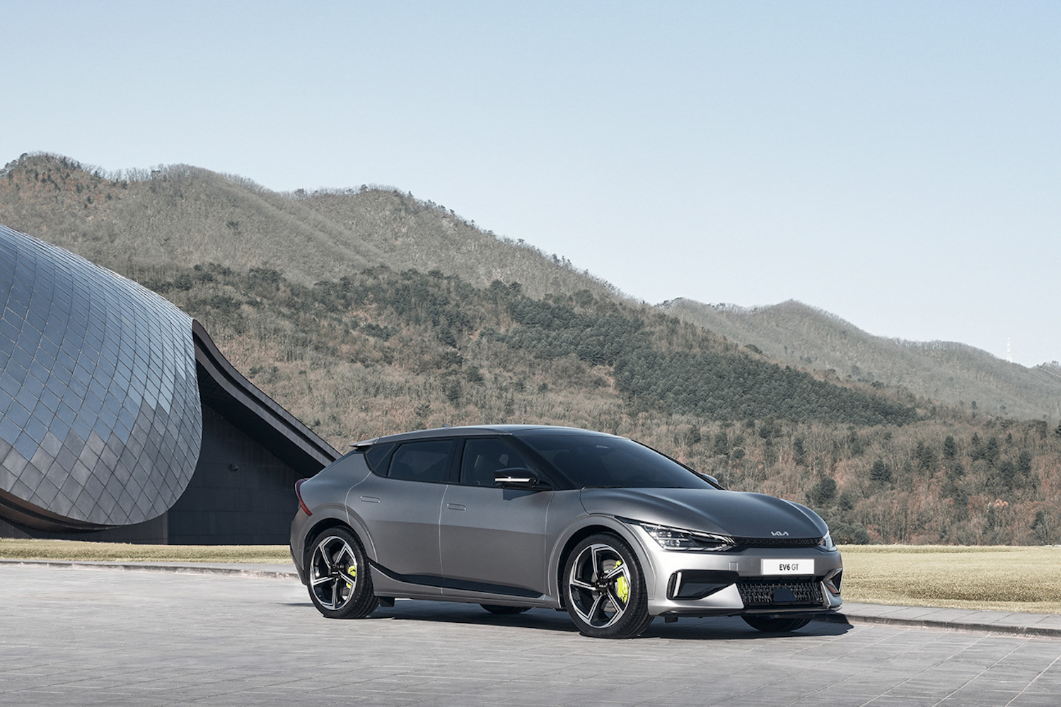 Car News | Electric Kia EV6 topped by 580hp GT | CompleteCar.ie