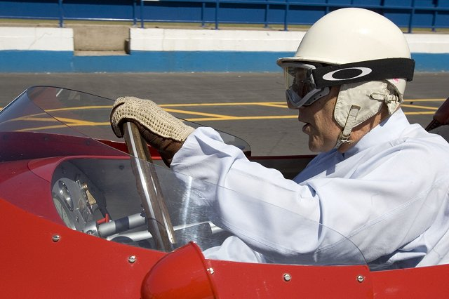 Car News | Stirling Moss retires from racing | CompleteCar.ie