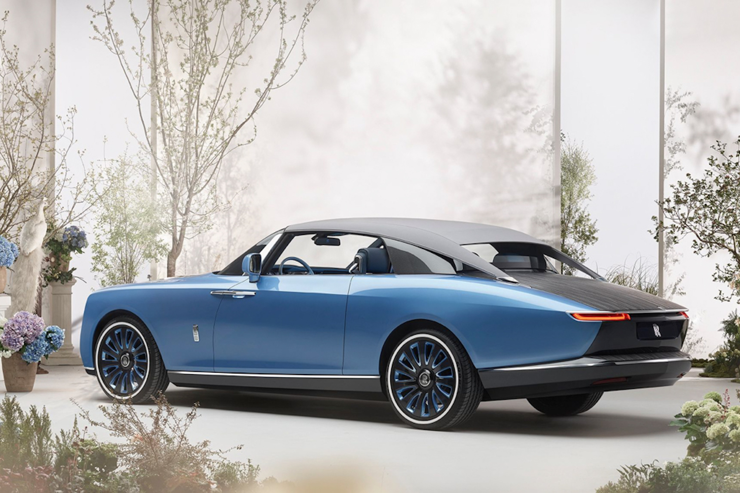 Car News | Rolls-Royce shows off 'coachbuilt' Boat Tail model | CompleteCar.ie