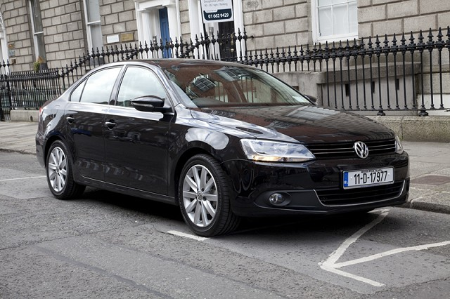 Car News   VW launches Service Promise   CompleteCar.ie