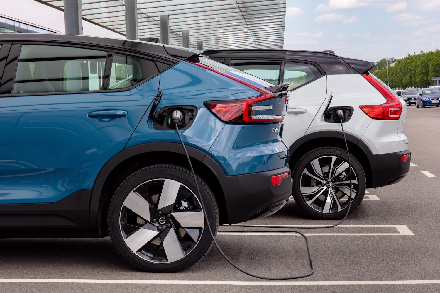 Car News   Volvo Ireland and EasyGo home chargers deal   CompleteCar.ie