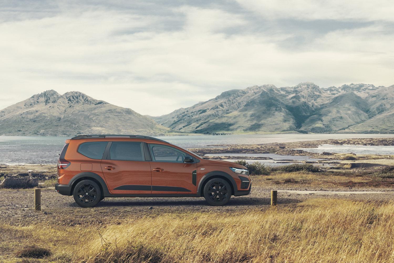 Car News | Dacia reveals new seven-seat Jogger MPV | CompleteCar.ie