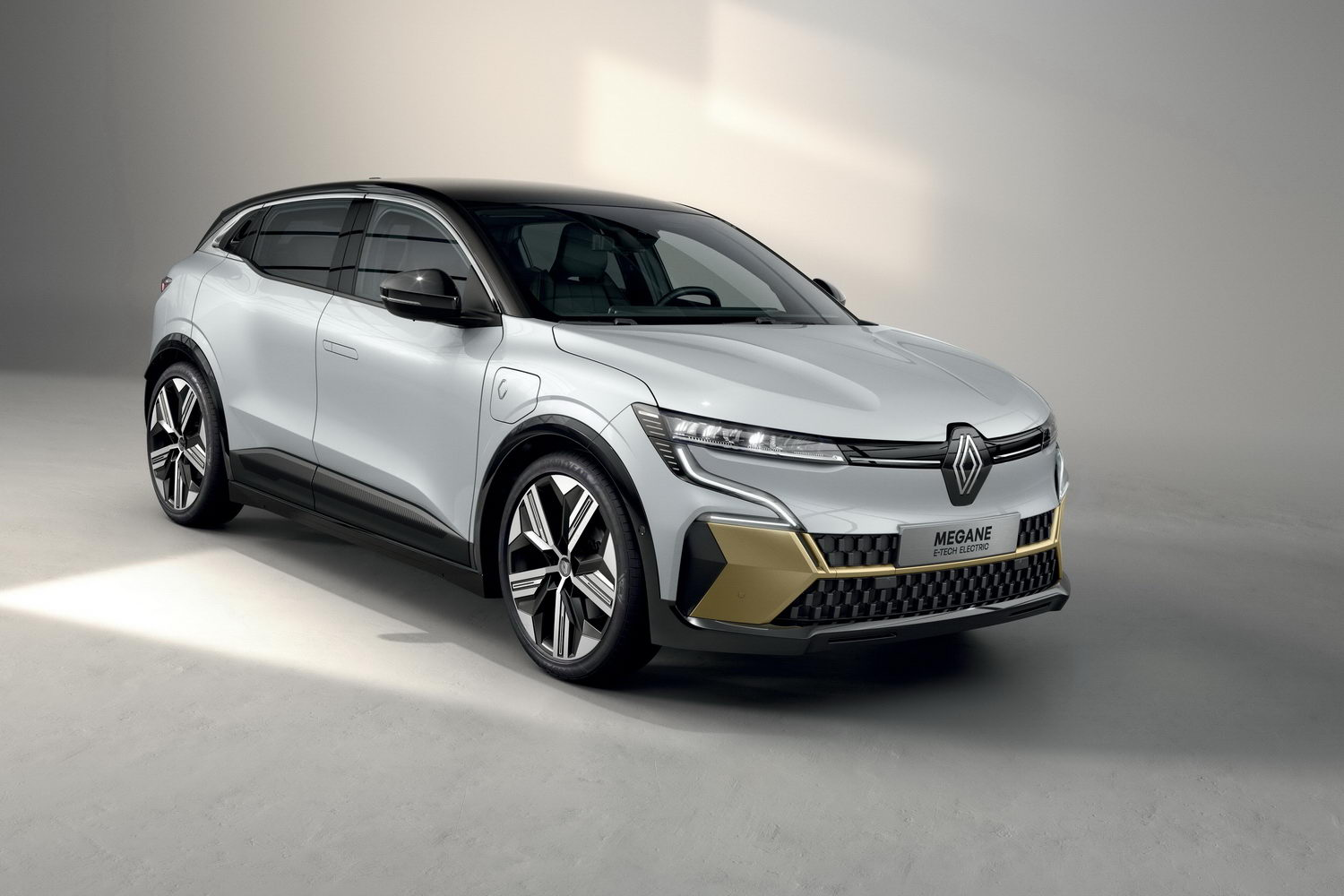 Car News | Renault reveals all-new Megane Electric for 2022 | CompleteCar.ie