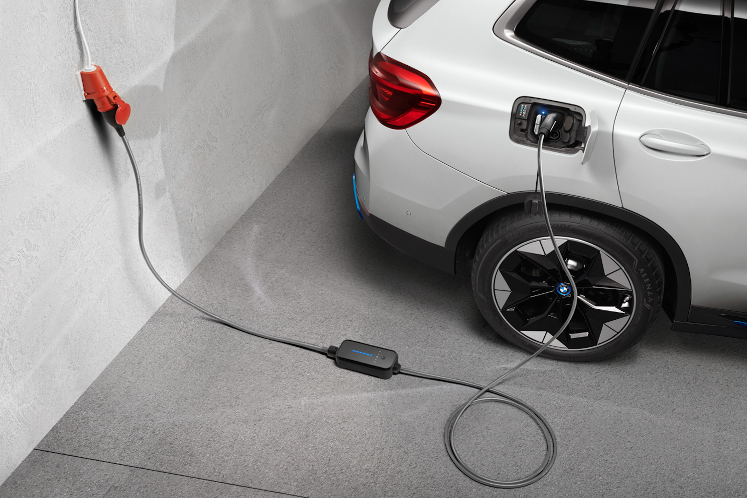 Car News | BMW outlines electrification and sustainability drive | CompleteCar.ie