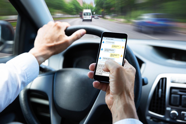 Car News | Majority of Irish drivers deny phone use | CompleteCar.ie