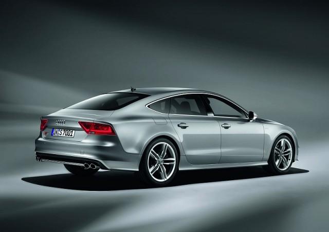 Car News | Audi A7 + V8 = S7 | CompleteCar.ie