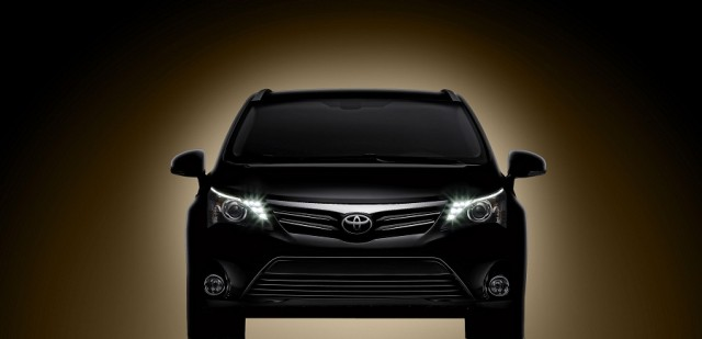 Car News | New-look Toyota Avensis | CompleteCar.ie