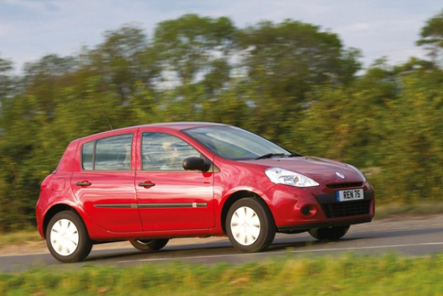 Car News | Renault recalls Clio and Wind models | CompleteCar.ie