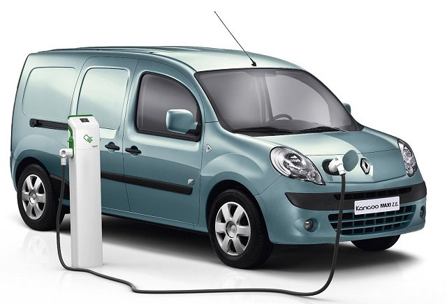 Car News   Renault Kangoo Z.E. is van of the year   CompleteCar.ie