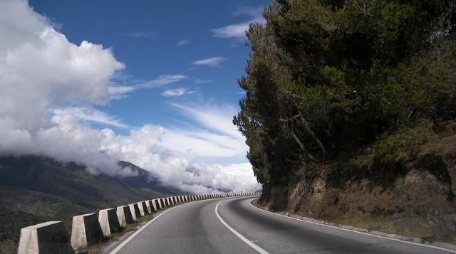 Car News | AA warns of wind hazards on Irish roads | CompleteCar.ie