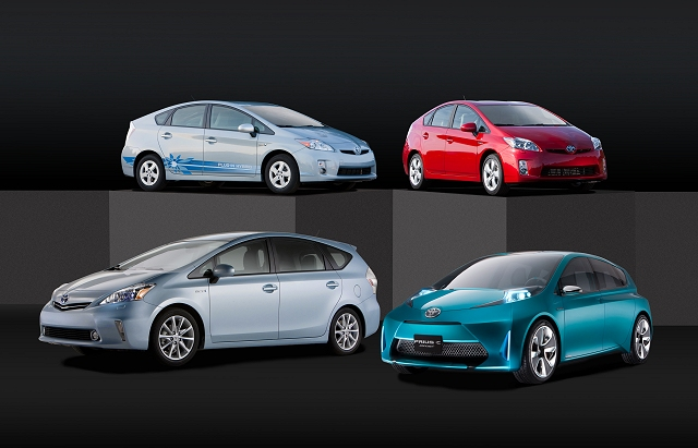 Car News | Two new Toyota Prius | CompleteCar.ie