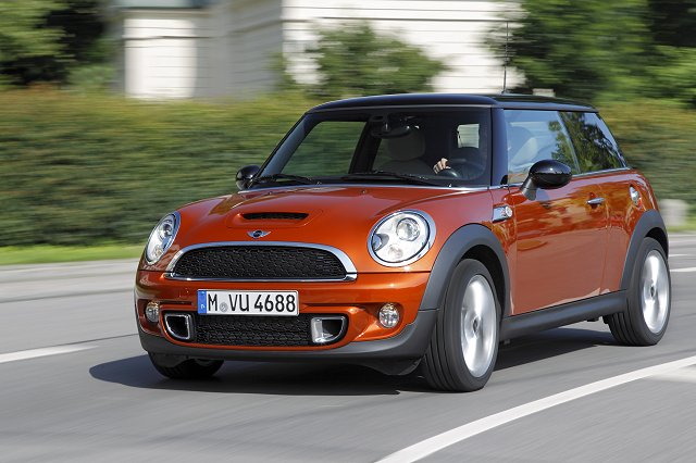 Car News | MINI to launch diesel hot hatch | CompleteCar.ie