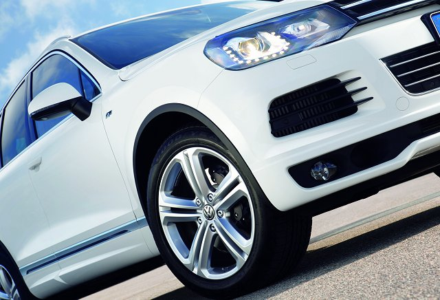 Car News | Sportier look for new Touareg | CompleteCar.ie