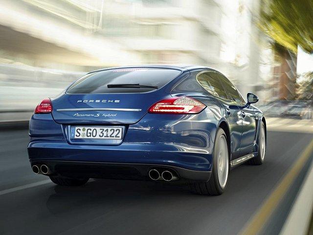 Car News | Porsche Panamera goes hybrid | CompleteCar.ie