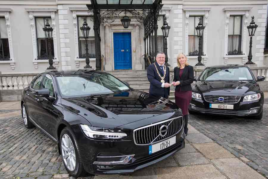 Car Industry News | Dublin Lord Mayor receives new Volvo | CompleteCar.ie
