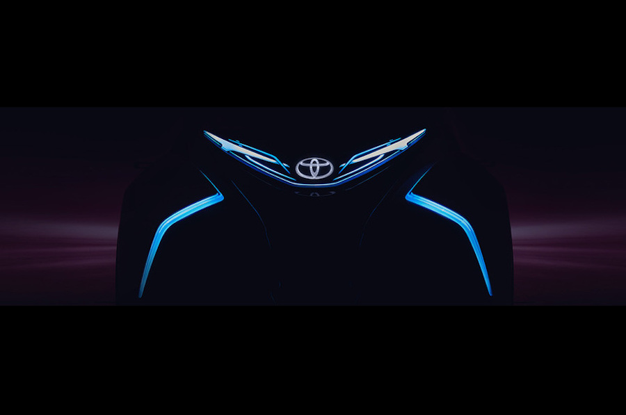 Car News | Toyota i-TRIL and hot Yaris for Geneva