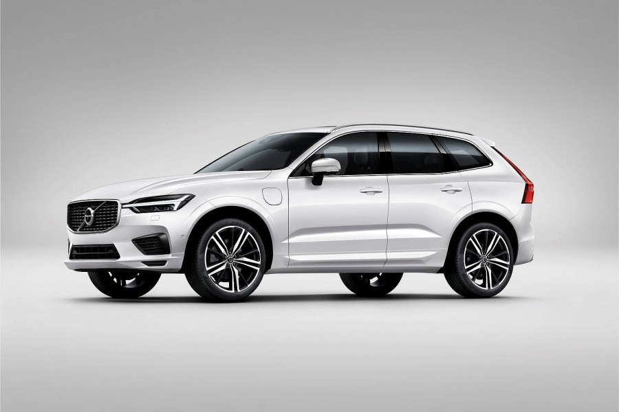 Car News | Volvo's XC60 kicks off at €53k in Ireland | CompleteCar.ie