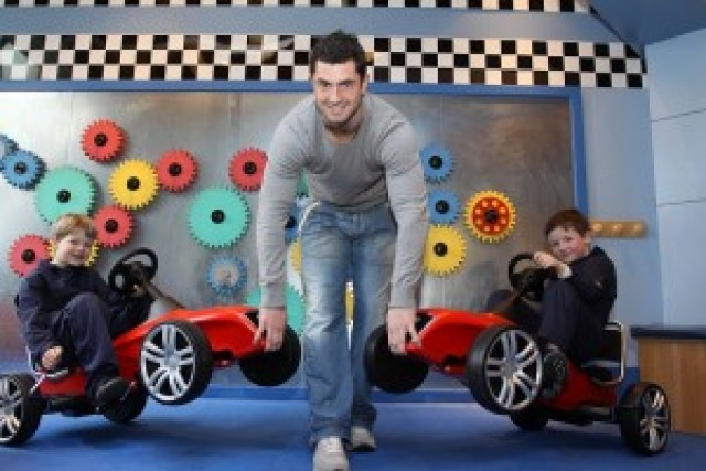 Car News | Kathryn Thomas and Rob Kearney to attend RDS Motor Show | CompleteCar.ie