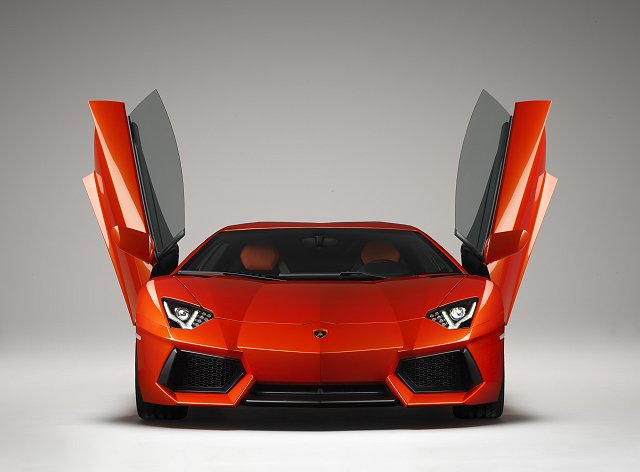 Car News | Say hello to the Lamborghini Aventador | CompleteCar.ie