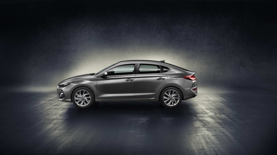 New Hyundai I30 Fastback First Details And Pictures Car And