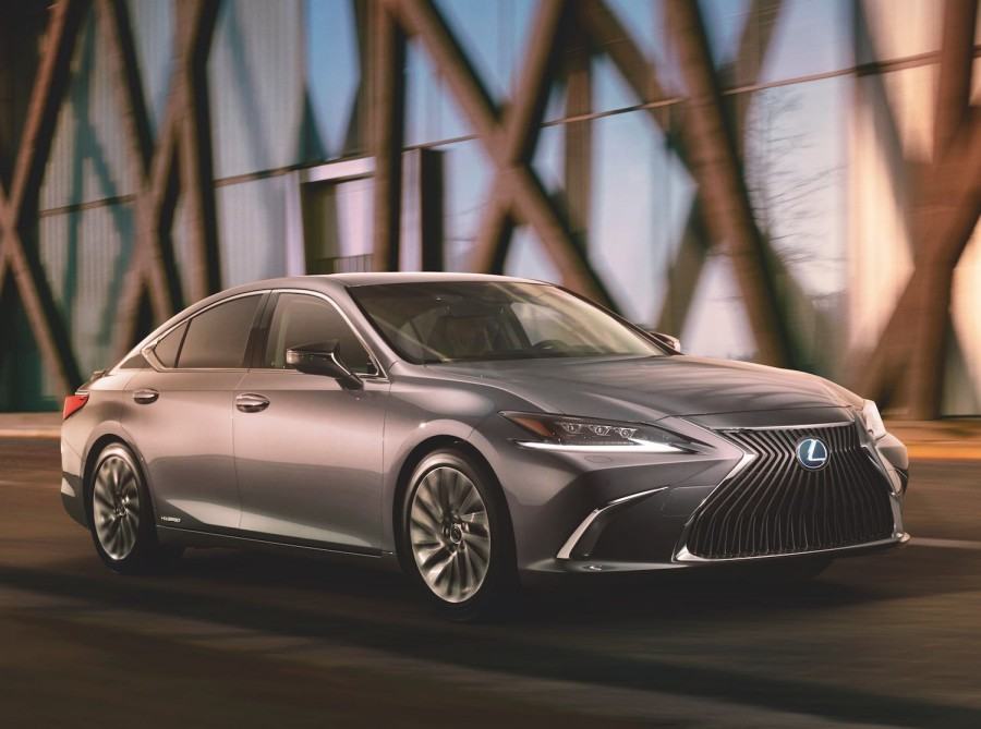 Car News | First image of the all-new Lexus ES