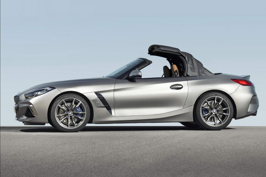 Car News | BMW reveals full Z4 roadster specs | CompleteCar.ie