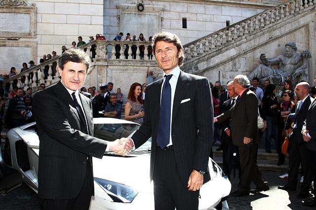 Car News | Aventador comes to Rome | CompleteCar.ie