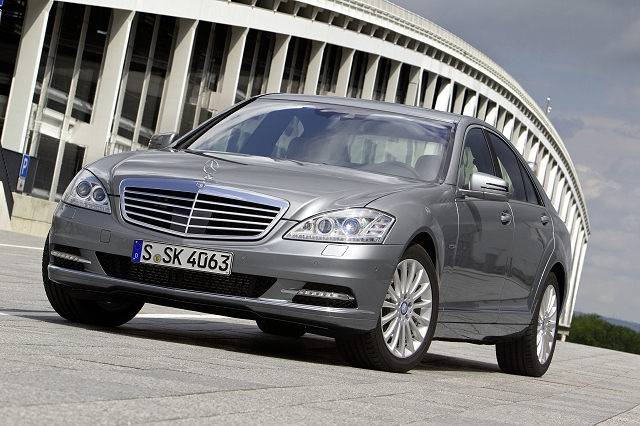 Car News | Cleaner S-Class Merc to save money | CompleteCar.ie