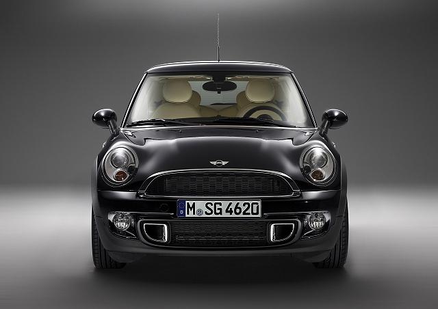 Car News   Rolls-Royce creates €70,000 MINI   CompleteCar.ie