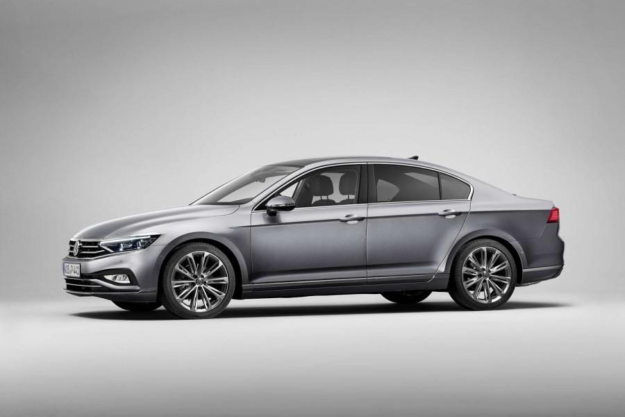 Car News | VW Passat gets 2019 update | CompleteCar.ie