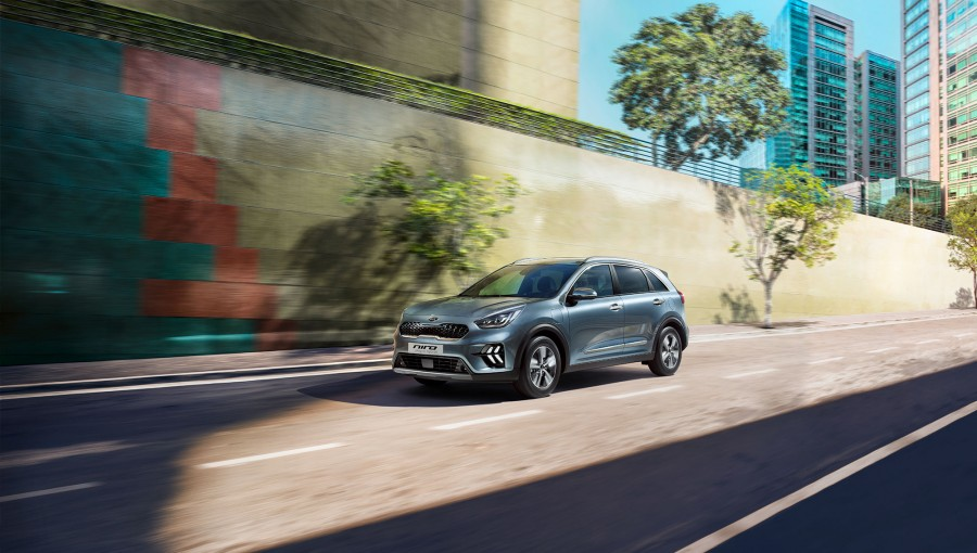 Car News | Kia Niro updated for Geneva show | CompleteCar.ie