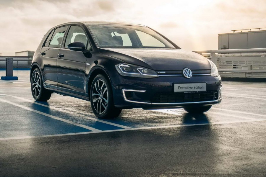 Car News | Volkswagen offers PCP deal on e-Golf | CompleteCar.ie