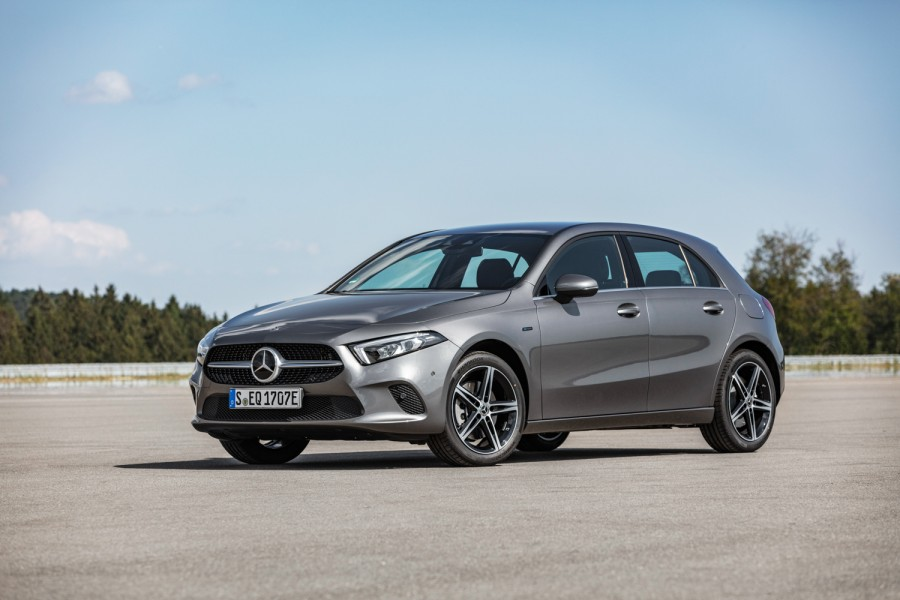 Car News | Mercedes adds three compact PHEVs to stable | CompleteCar.ie