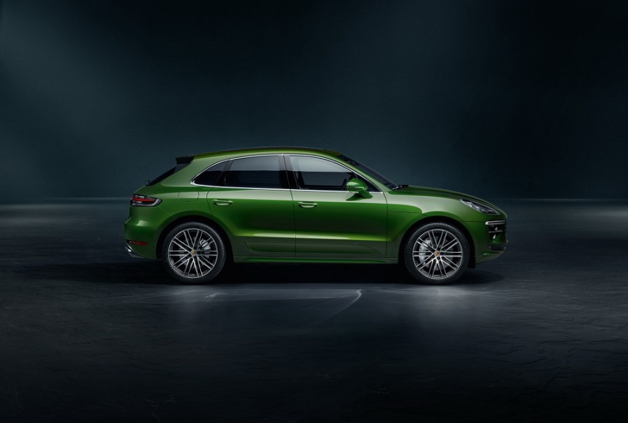 Car News | Porsche updates the Macan Turbo | CompleteCar.ie