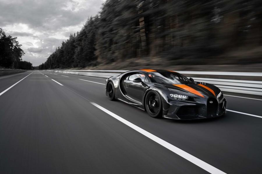 Car News | Bugatti Chiron tops 300mph | CompleteCar.ie