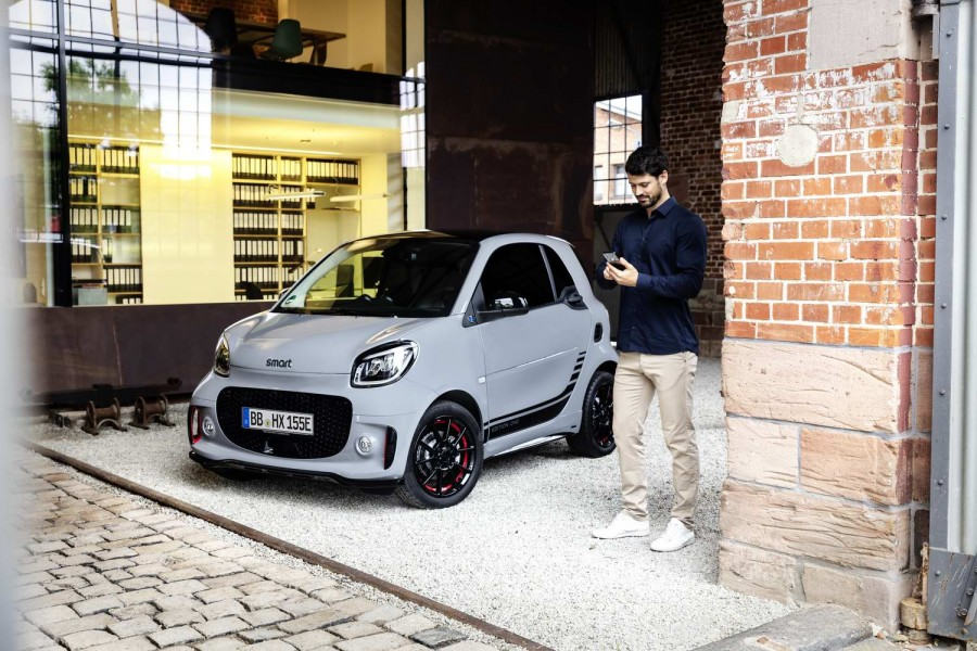 Car News | All-electric Smart cars updated | CompleteCar.ie